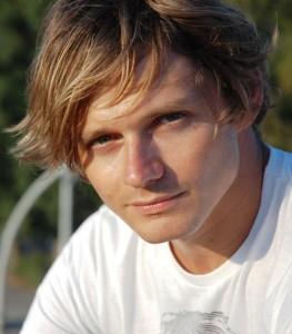 Giulio Xhaet copywriter Cesop